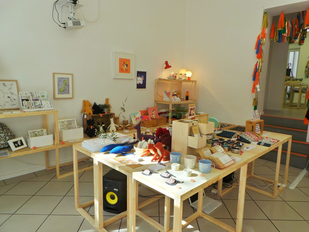 Shop-interior-Etsy-pop-up-shop-Berlin-compressor